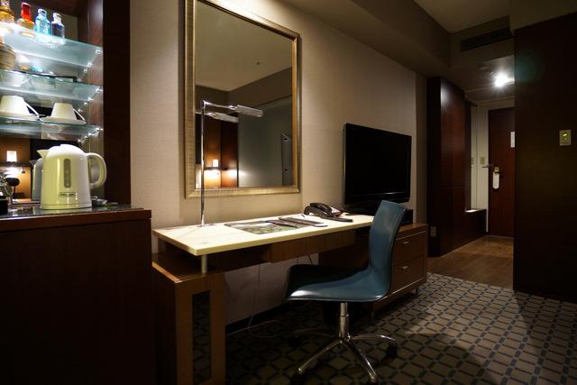 ANAインターコンチネンタルホテル東京_ライティングデスク