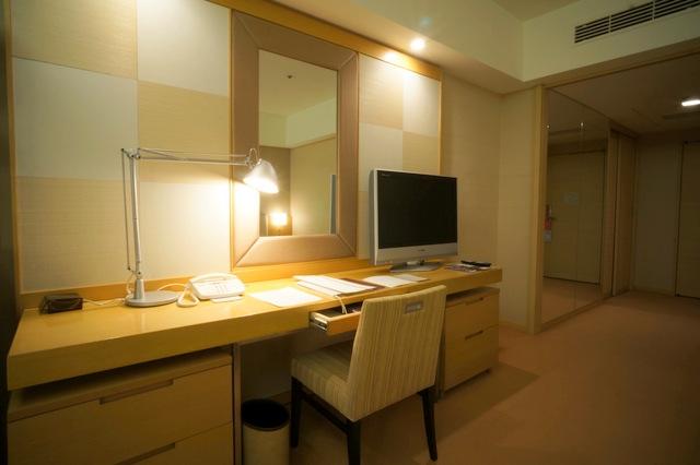 ホテルオークラ東京_デスク