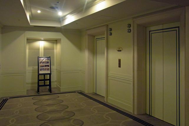 日航東京_エレベーターホール
