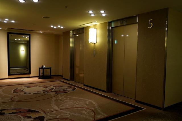 シェラトン東京_エレベーターホール