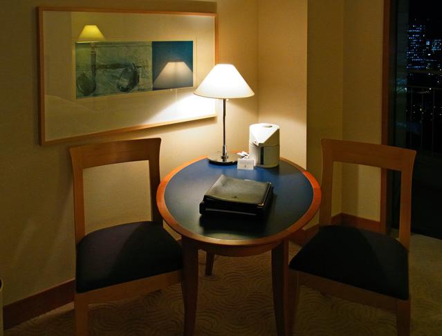 横浜ベイホテル東急_テーブル