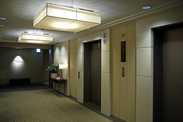 京王プラザ_エレベーターホール