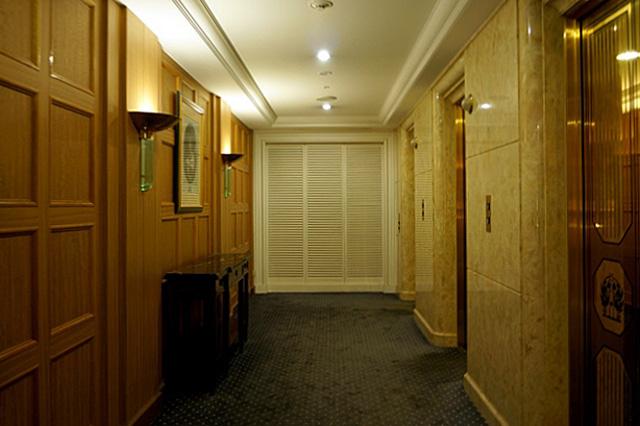 ニューグランド_タワー館エレベーターホール