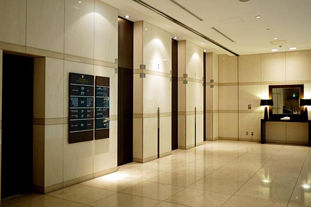 ストリングスホテル東京_エレベーターホール