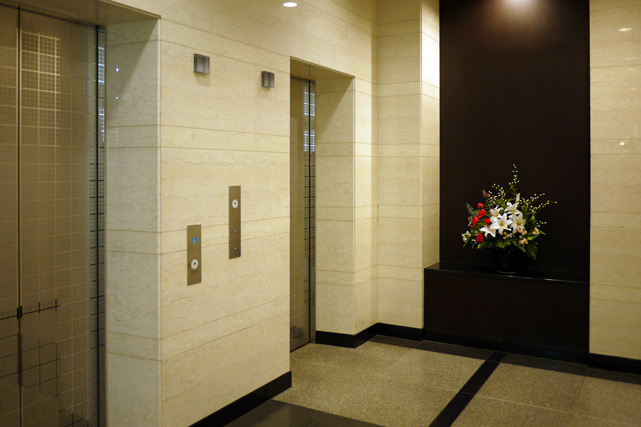 サンルート上田_エレベーターホール