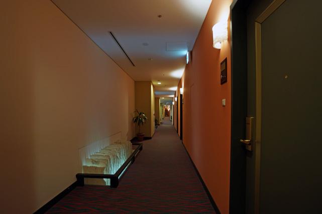 沖縄かゆりしナハ_廊下