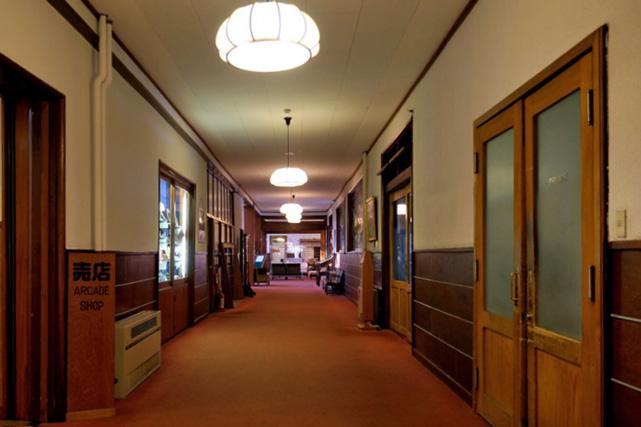 万平ホテル_アルプス館廊下