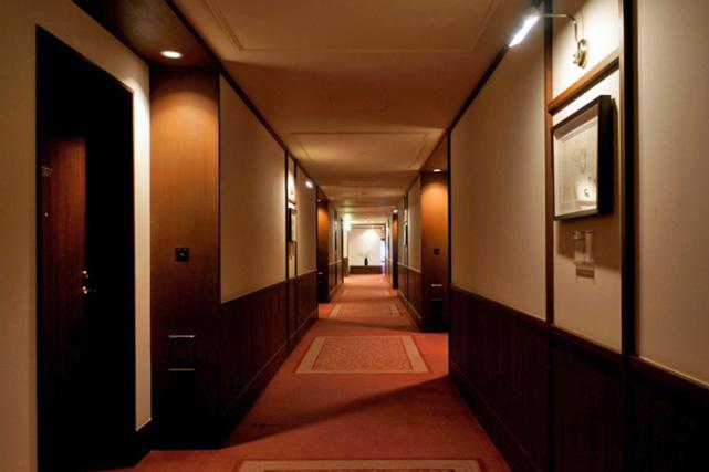 万平ホテル_ウスイ館廊下