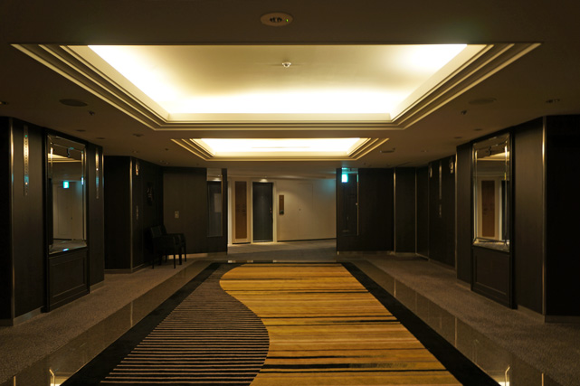 ニューオータニ_エレベーターホール