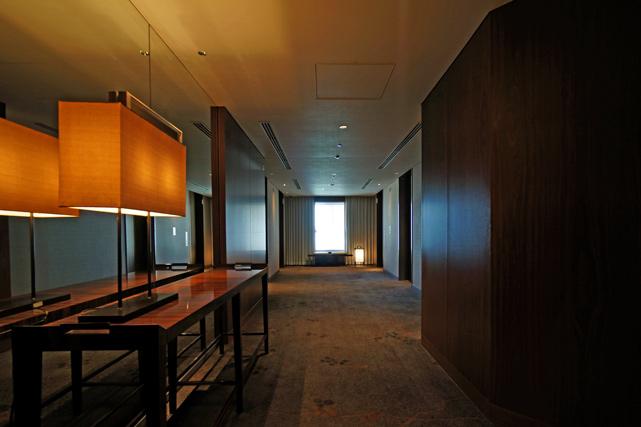 パレスホテル東京_エレベーターホール