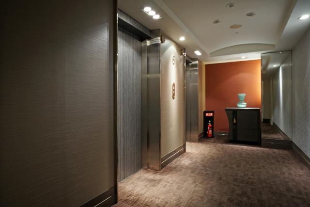 コートヤード銀座_エレベーターホール