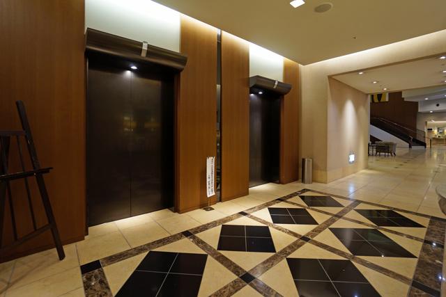 オアシスタワー_エレベーターホール