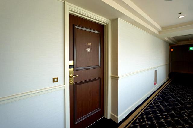 ヨコハマグランドインターコン_客室ドア