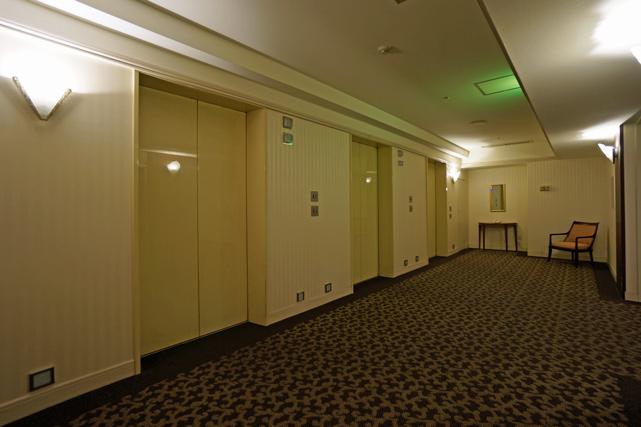 フランクス_エレベーターホール